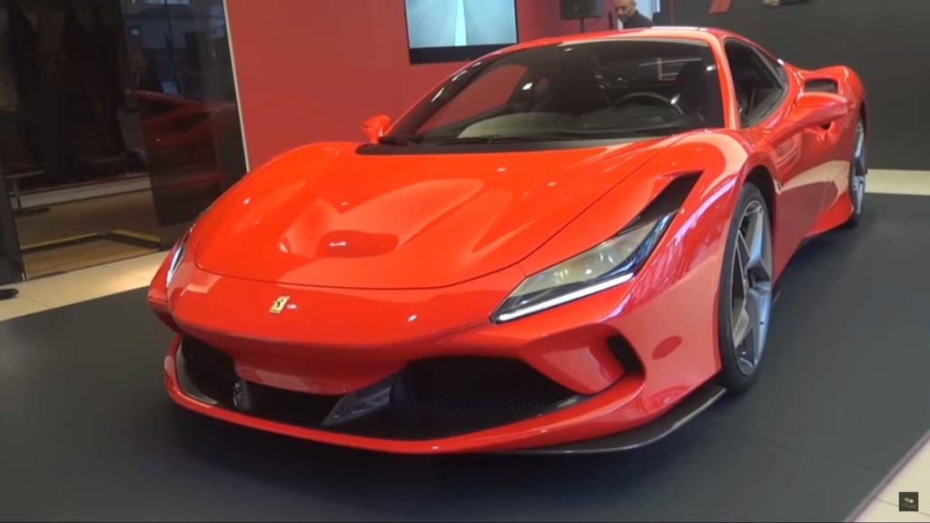Ferrari F8 Tributo já aparece nas ruas Ferrar12