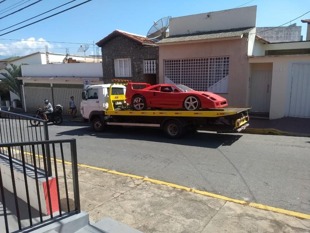 Polícia constata plágio de Ferrari em réplica apreendida em Cachoeira Paulista, SP Ferrar29