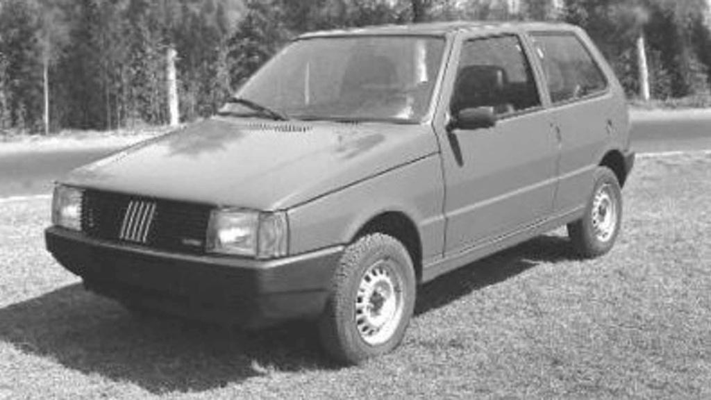 Fiat Uno completa 35 anos de Brasil com 4 milhões de unidades produzidas Fiat-u12