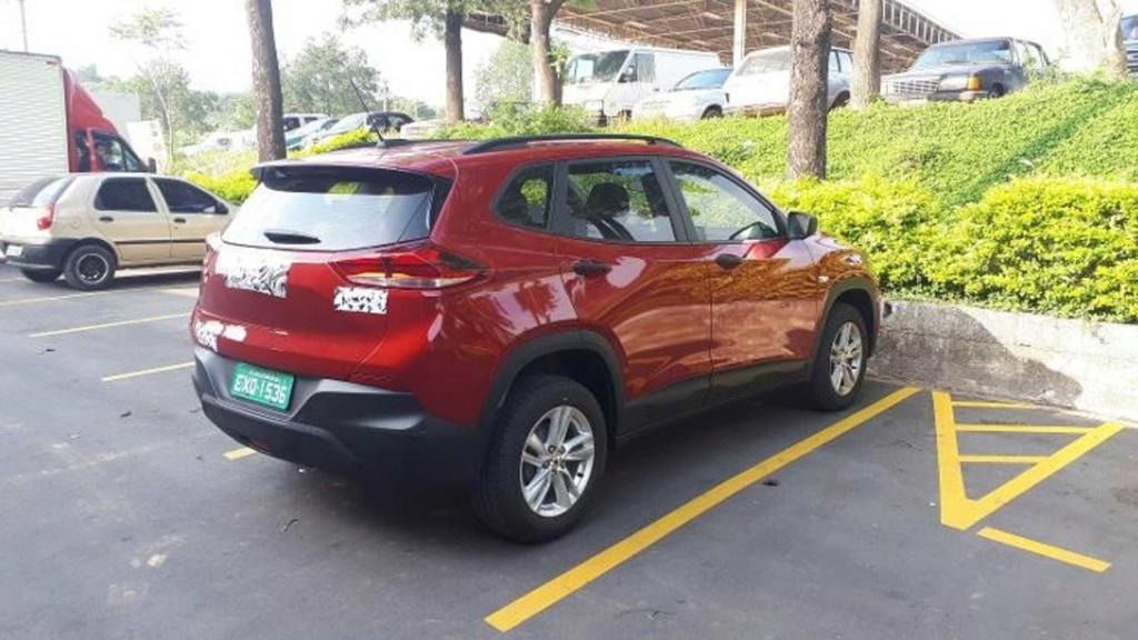 Novo Chevrolet Tracker nacional é flagrado praticamente sem disfarces Flagra28