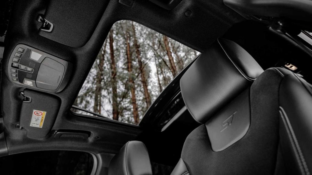 Ford Edge ST começa a mostrar a nova cara da marca Ford-e36