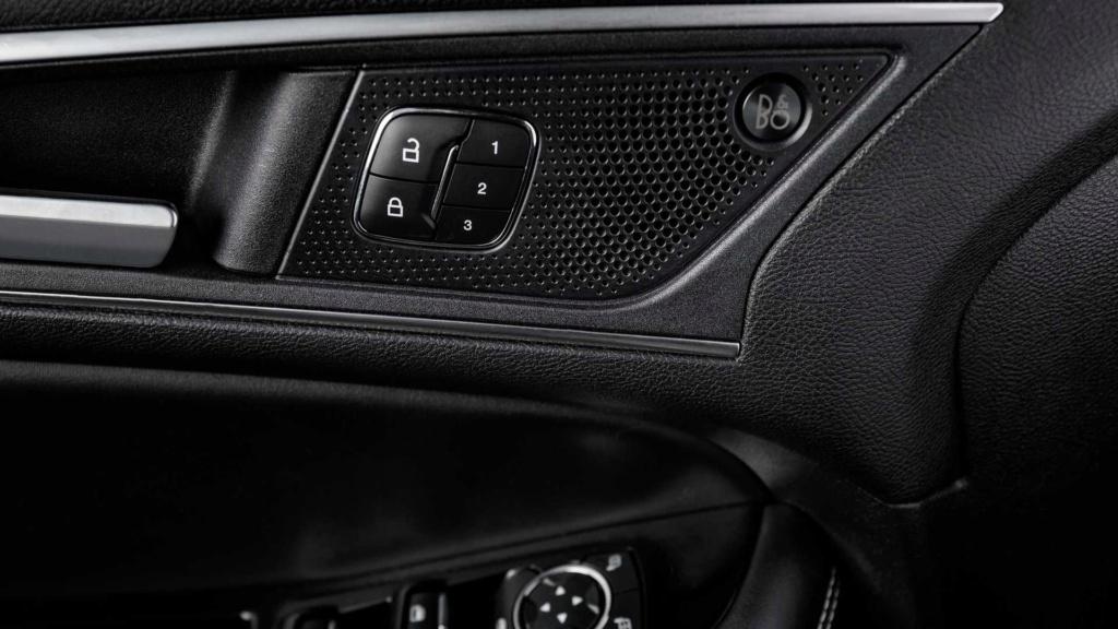 Ford Edge ST começa a mostrar a nova cara da marca Ford-e37