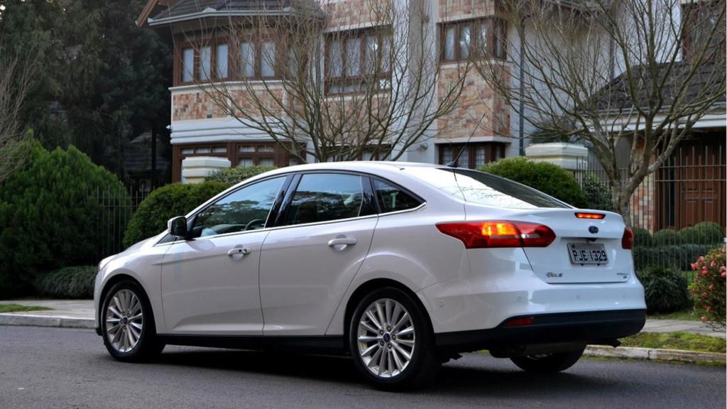 Vendas de sedãs médios em março: Jetta mantém viés de alta Ford-f11