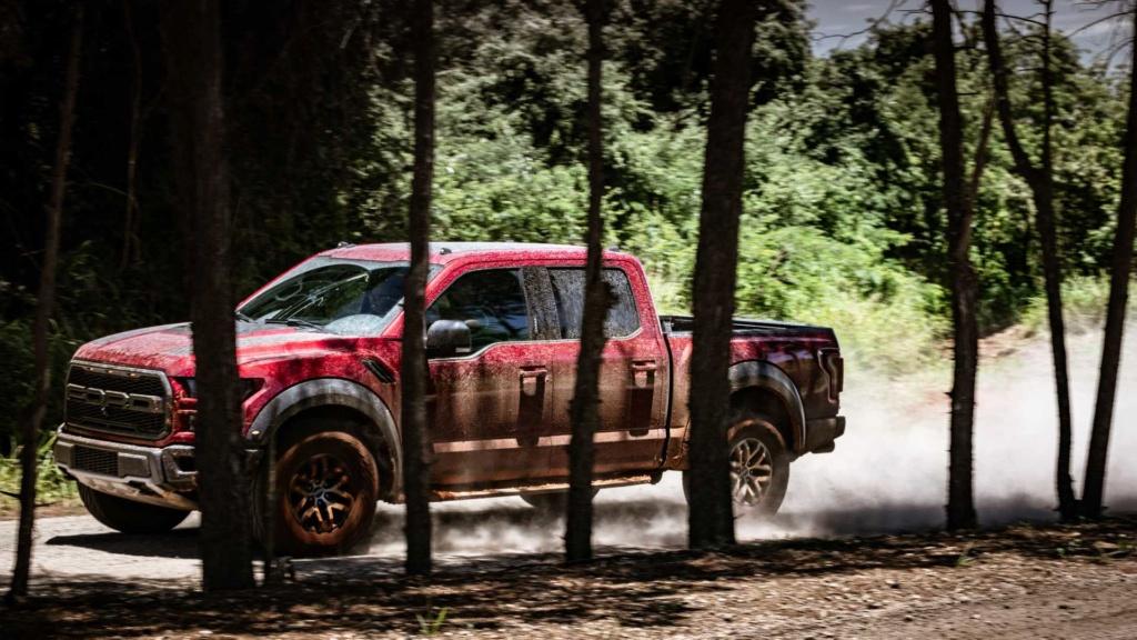 Ford trabalha em F-150 Raptor com motor V8 Ford-f19