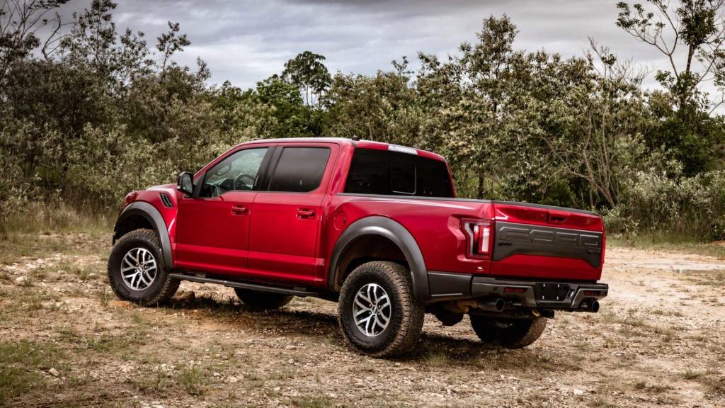 Ford trabalha em F-150 Raptor com motor V8 Ford-f20