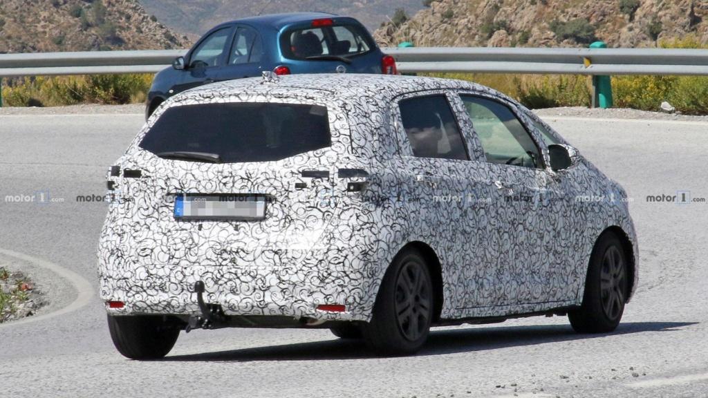 Novo Honda Fit terá versão esportiva Type R, diz revista Honda111