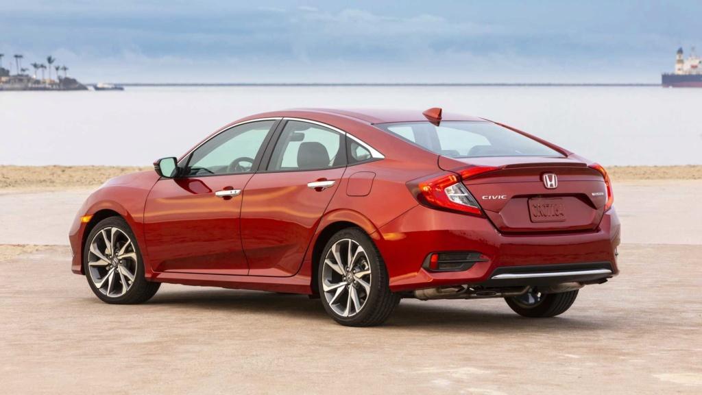Honda Civic resiste aos SUVs e picapes com vendas crescentes nos EUA Honda132