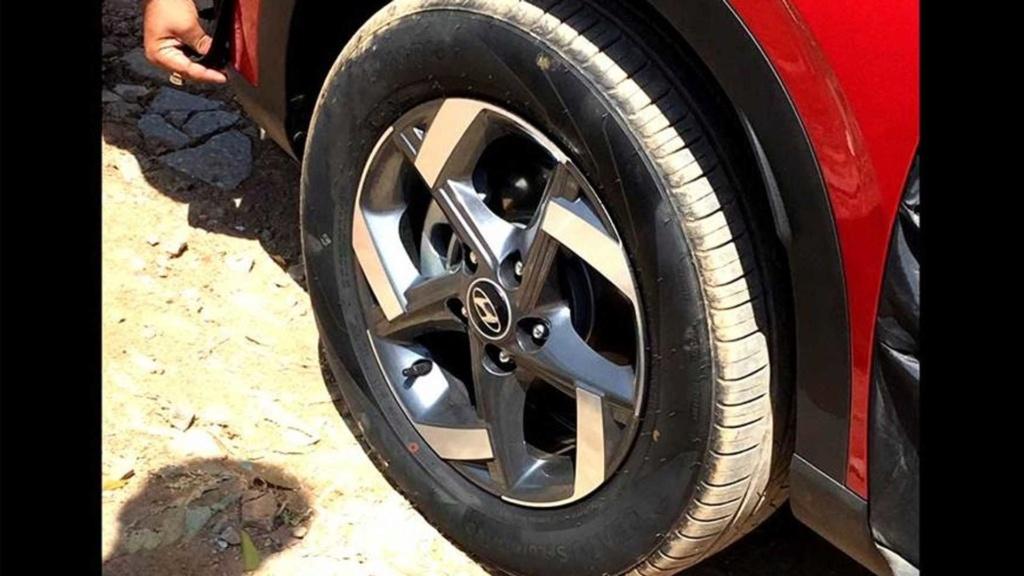 Novo Hyundai Venue: vazam imagens do SUV menor que o Creta Hyunda23