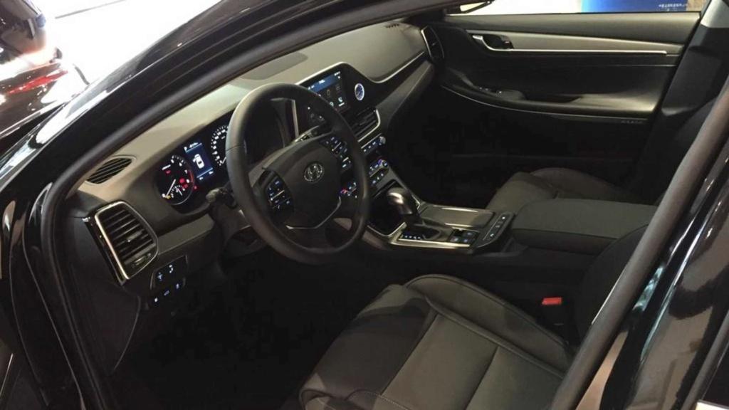 Novo Hyundai Azera 2020 já está nas lojas por R$ 269.900 Hyunda56