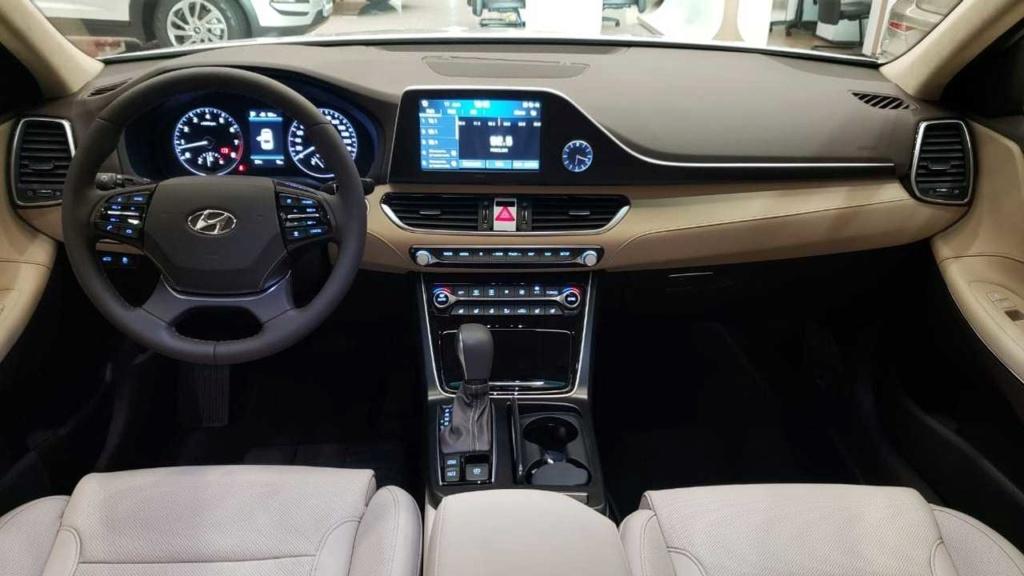 Novo Hyundai Azera 2020 já está nas lojas por R$ 269.900 Hyunda59