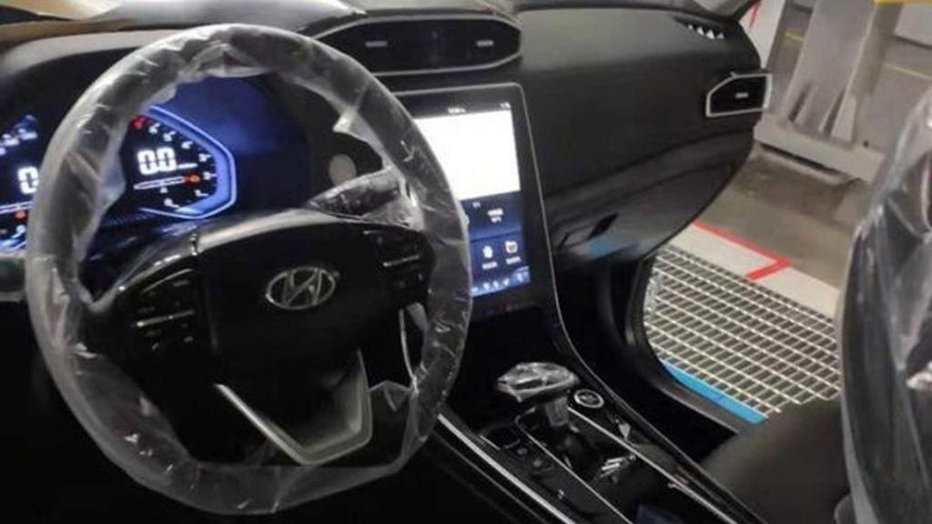 Novo Hyundai Creta revela interior com multimídia vertical Hyunda71