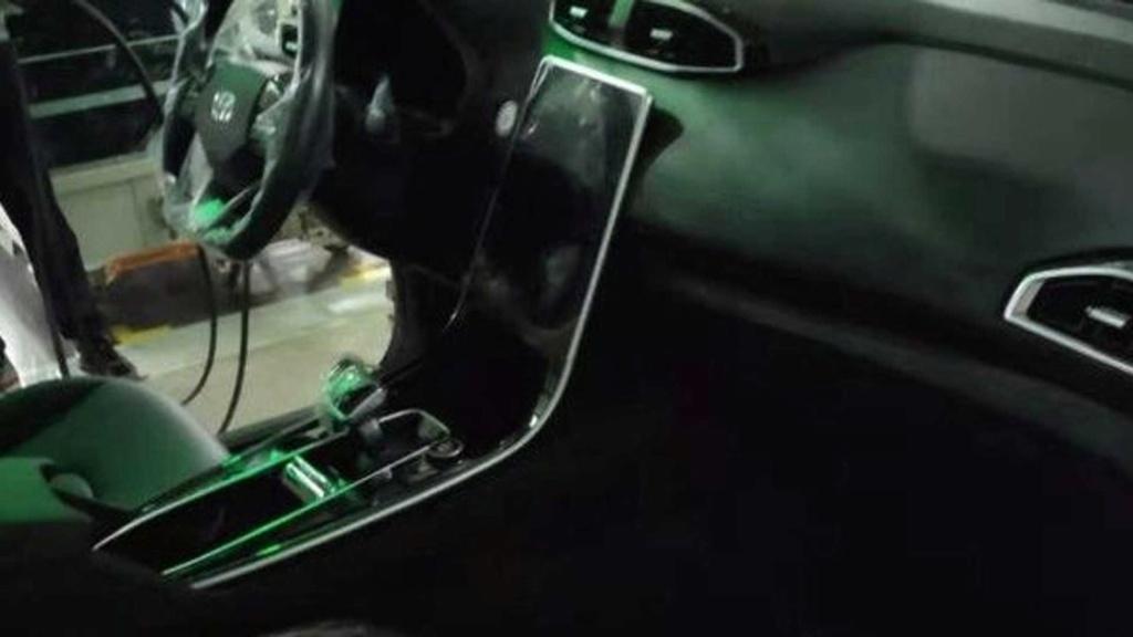 Novo Hyundai Creta revela interior com multimídia vertical Hyunda72
