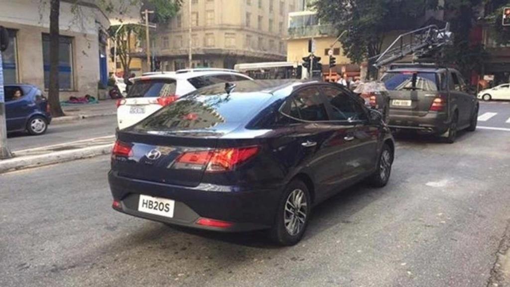 """Novo Hyundai HB20S 2020 tem imagem da traseira """"de cupê"""" revelada Hyunda80"""