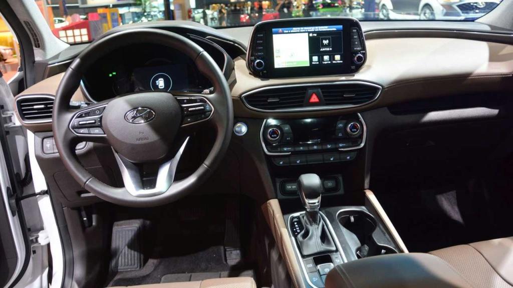 Novo Hyundai Santa Fe chega ao Brasil com preço de Volvo XC60 híbrido Hyunda89
