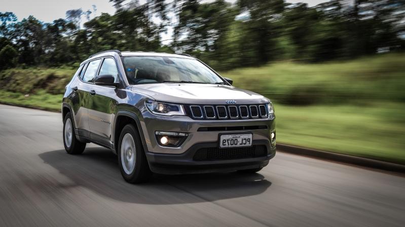 Jeep Compass 2020 ganha mais equipamentos e parte de R$ 116.990 Jeep-c16