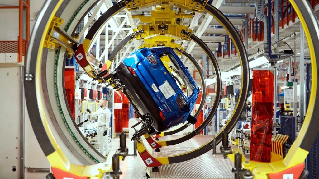 Jeep Compass e Renegade híbridos começam a ser produzidos Jeep-c26