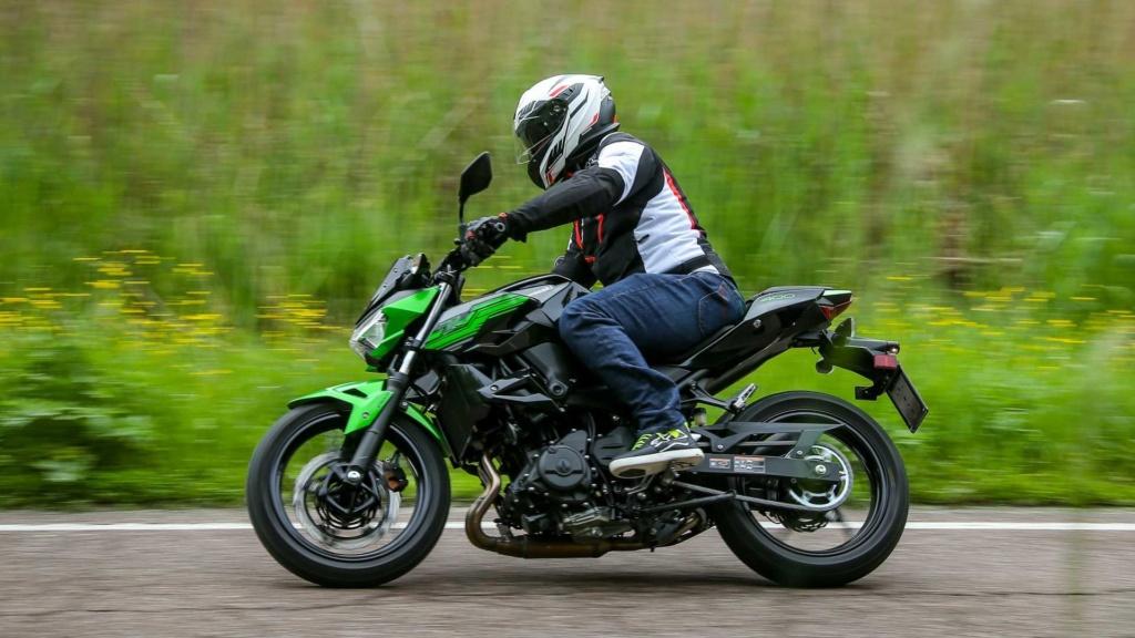 Nova Kawasaki Z400 chega em agosto por R$ 22.990 Kawasa16