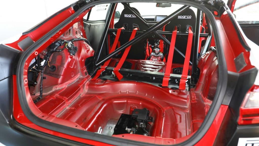 """Kia Stinger é salvo da """"morte"""" com preparação de 430 cv Kia-st14"""
