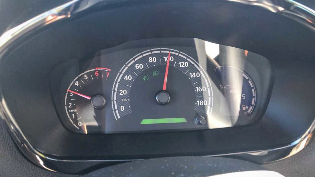 Teste: Renault Kwid Outsider em busca dos 20 km/litro Kwid-o11