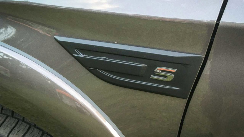 Mitsubishi L200 Triton Sport HPE-S ganha novidades na linha 2020; veja fotos L200-t12