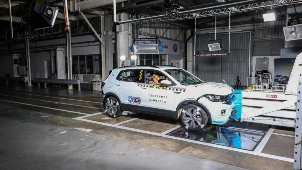 VW mostra como fez o T-Cross ter 5 estrelas em segurança Labora15