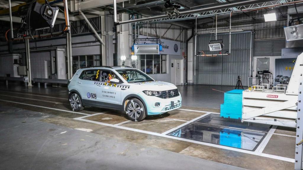 VW mostra como fez o T-Cross ter 5 estrelas em segurança Labora16