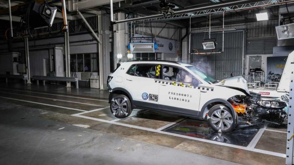 VW mostra como fez o T-Cross ter 5 estrelas em segurança Labora17