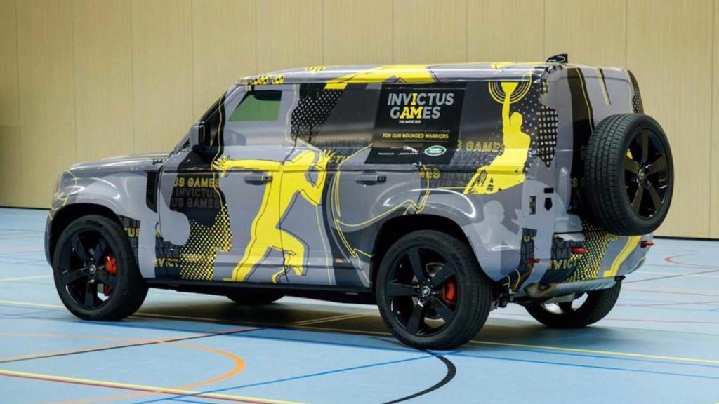 Novo Land Rover Defender 2020 se exibe quase sem camuflagem Land-r10