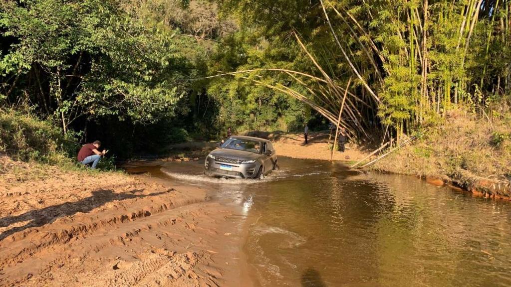 Novo Range Rover Evoque evolui sem perder o charme Land-r19