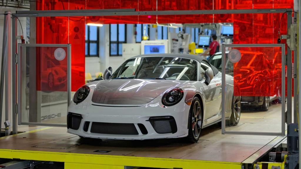 Porsche 911 da geração anterior se despede da linha de produção com o Speedster Last-911