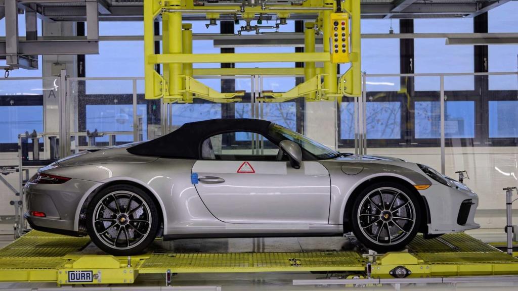 Porsche 911 da geração anterior se despede da linha de produção com o Speedster Last-912