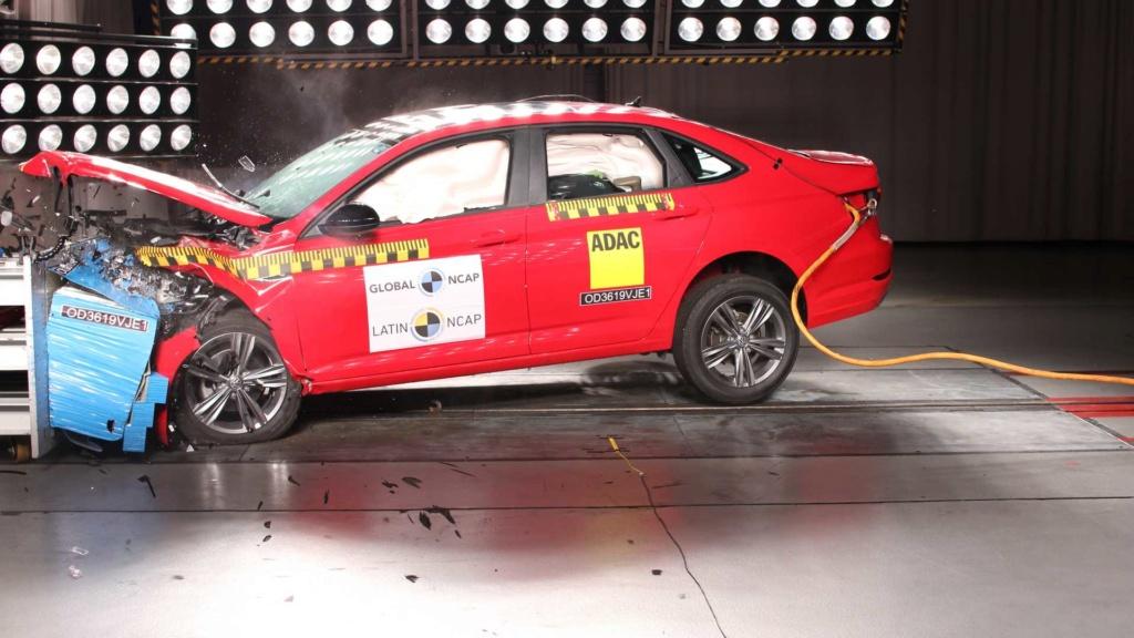 Volkswagen Jetta e Tiguan recebem nota máxima em crash-test Latin-10