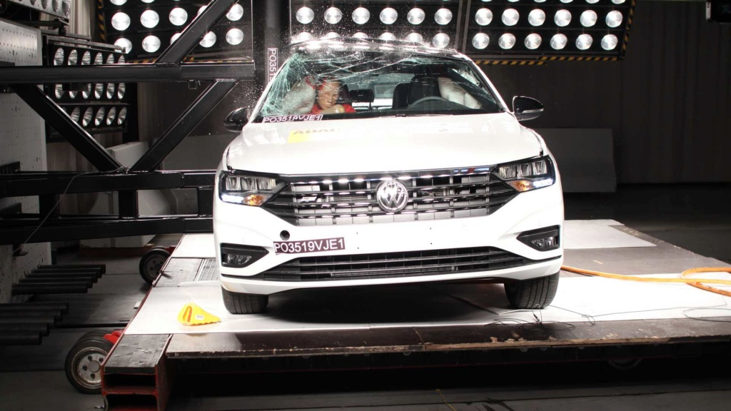 Volkswagen Jetta e Tiguan recebem nota máxima em crash-test Latin-11
