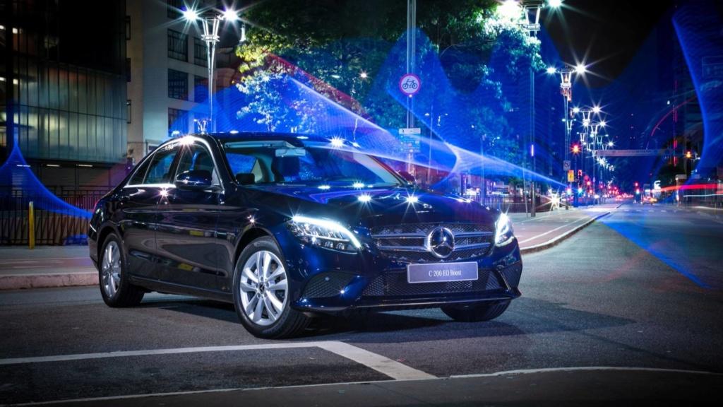 Mercedes oferece Classe C em duas versões com desconto de R$ 15 mil Merced20