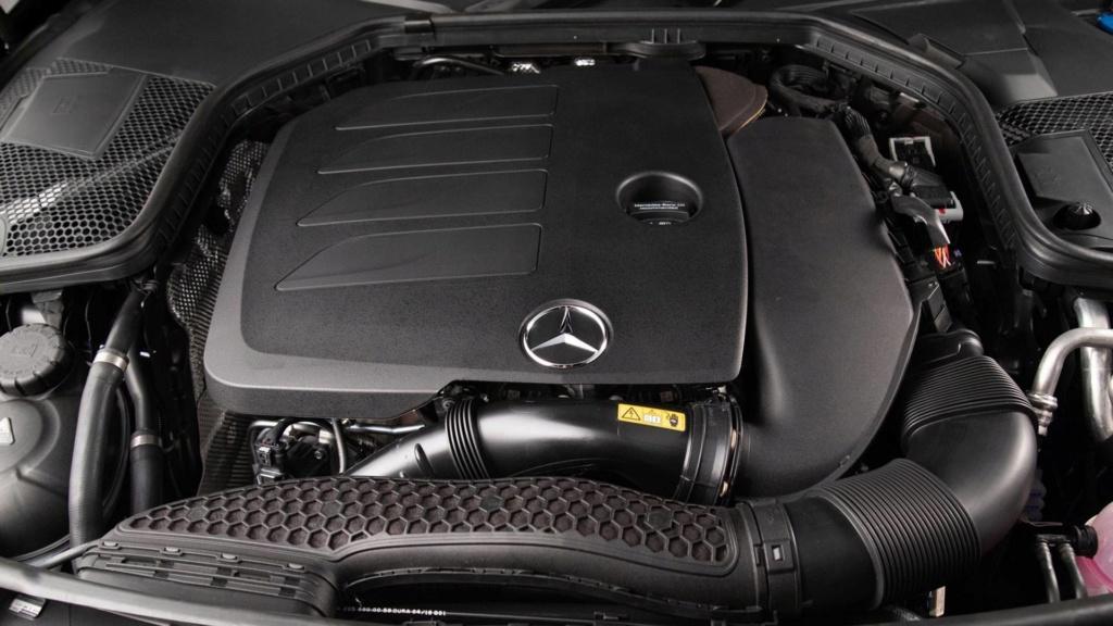 Mercedes oferece Classe C em duas versões com desconto de R$ 15 mil Merced27