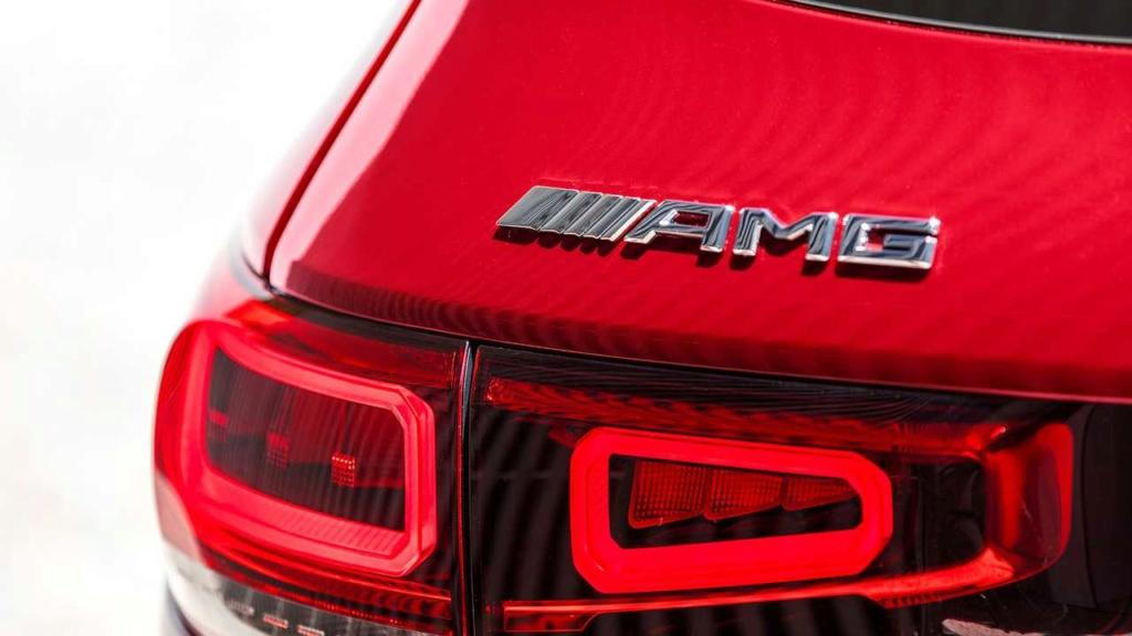 Mercedes-AMG GLB 35 é SUV de 7 lugares com 306 cv de potência Merced39