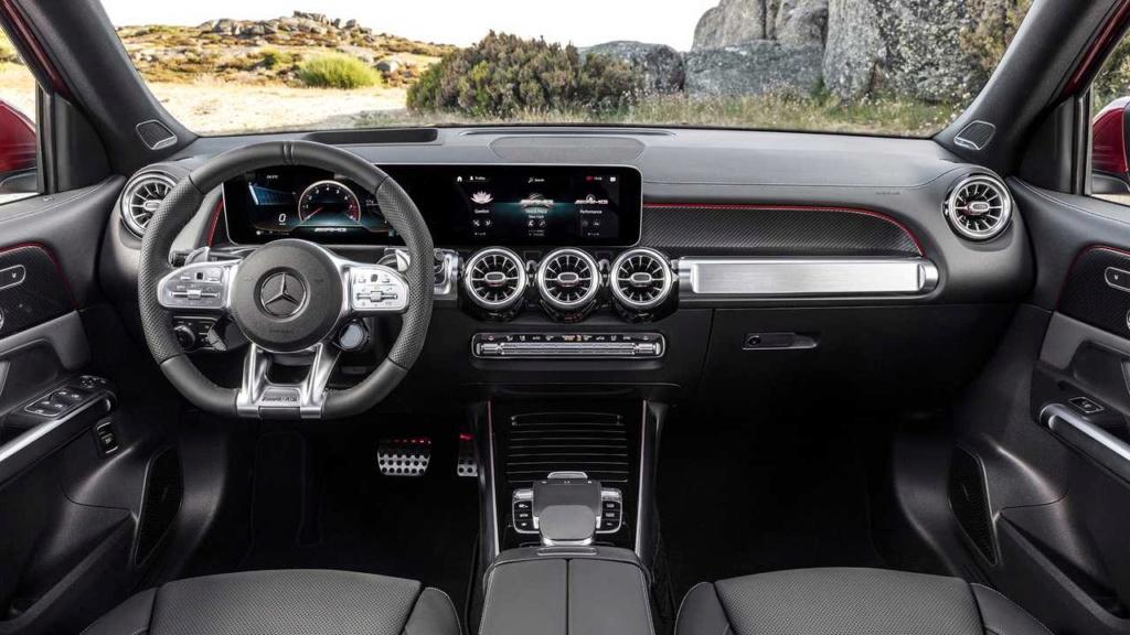 Mercedes-AMG GLB 35 é SUV de 7 lugares com 306 cv de potência Merced40