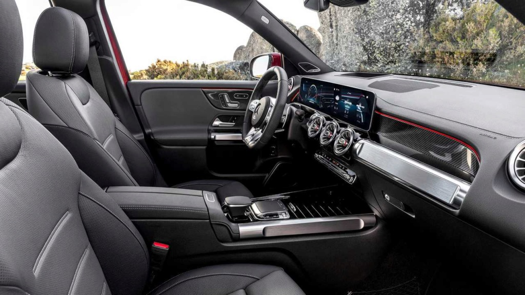 Mercedes-AMG GLB 35 é SUV de 7 lugares com 306 cv de potência Merced41