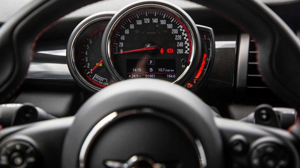 Mini Cooper voltará às origens e ficará menor na próxima geração Mini-c14