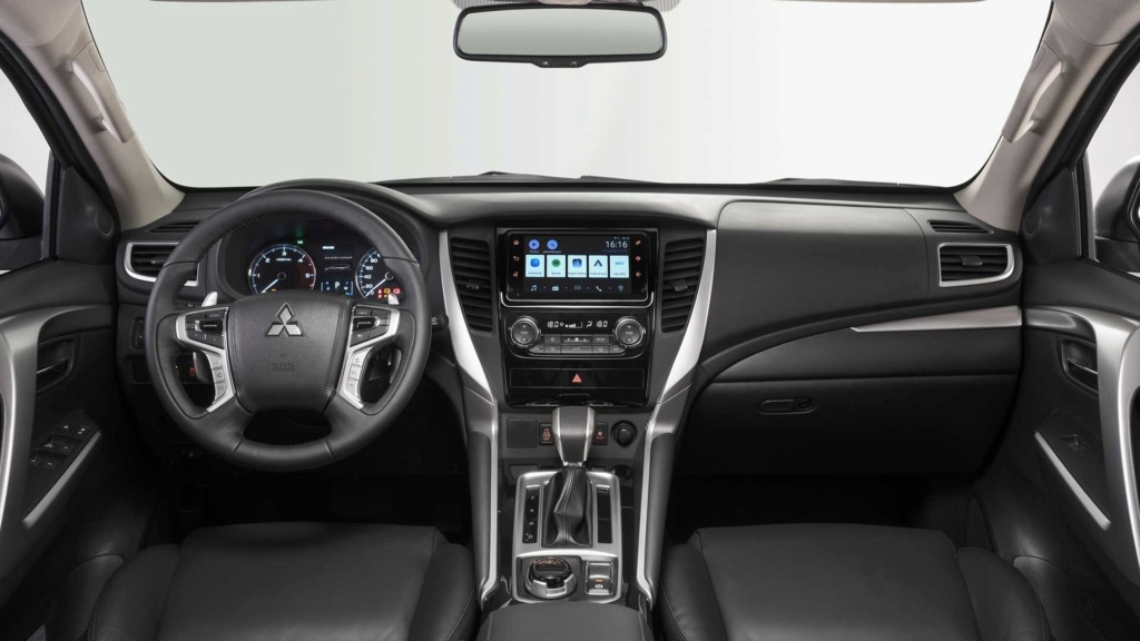 Mitsubishi Pajero Sport é um bruto atualizado Mitsub54