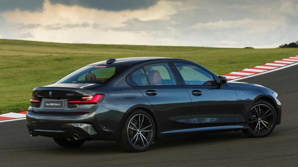 Série 3 e Série 5 colocam BMW no topo Novo-b22