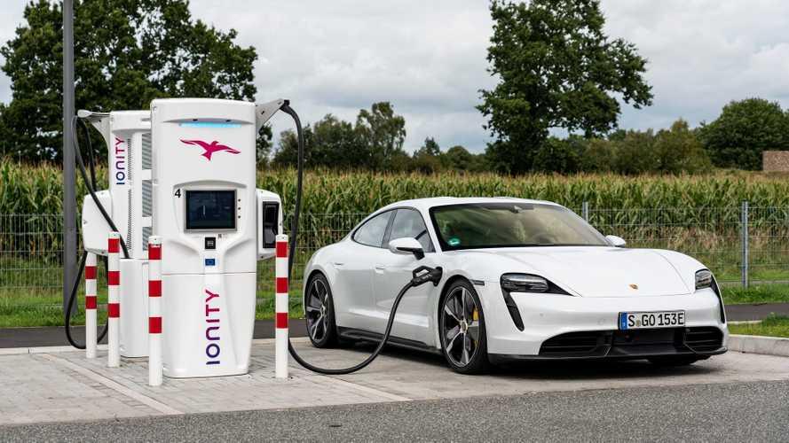Como a temperatura do ambiente afeta a autonomia de um carro elétrico? Porsch38