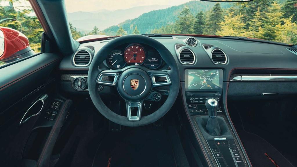 Porsche 718 Boxster e Cayman GTS 4.0 resgatam prazer com câmbio manual Porsch42