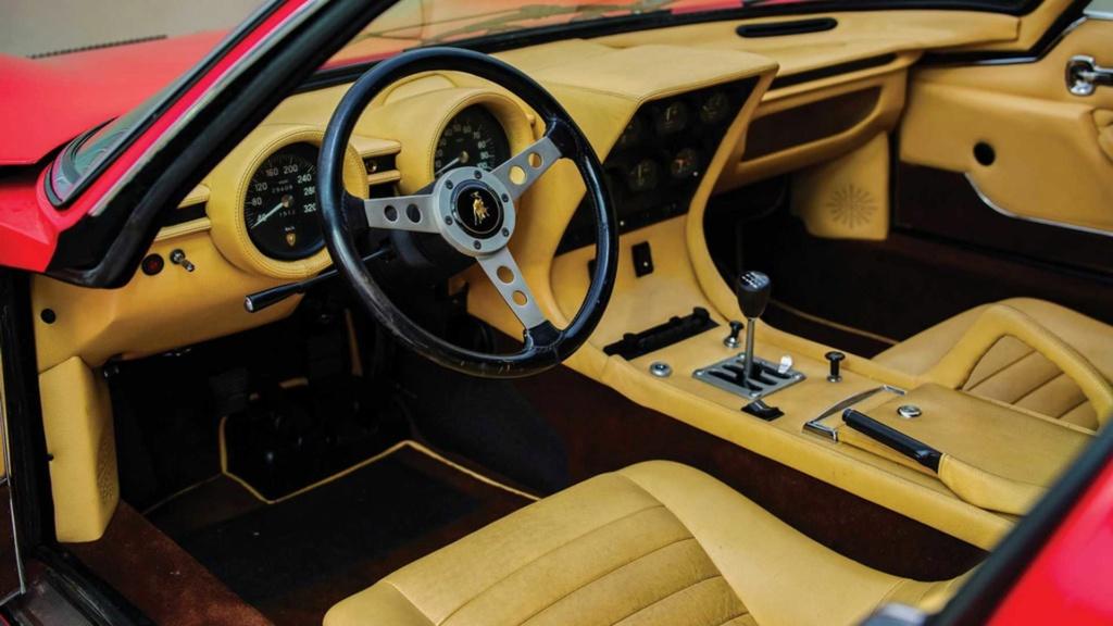 Raro Dry-Sump 1971 Lamborghini Miura SV indo para o leilão Rare-d12