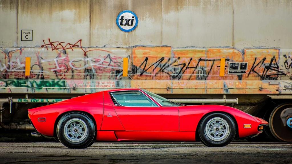 Raro Dry-Sump 1971 Lamborghini Miura SV indo para o leilão Rare-d15