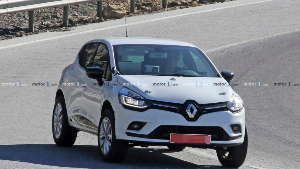Renault testa crossover abaixo do Captur disfarçado de Clio Renaul40
