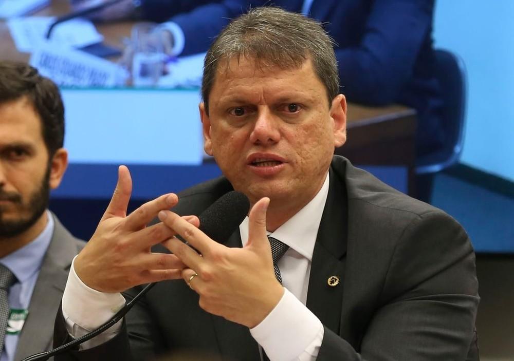 Governo pretende aumentar para 40 pontos limite para suspensão da CNH, diz ministro Tarcis10