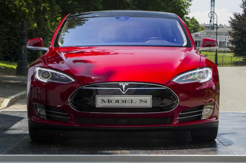 Tesla Model S pode superar recorde de Porsche Taycan em Nürburgring Tesla-16