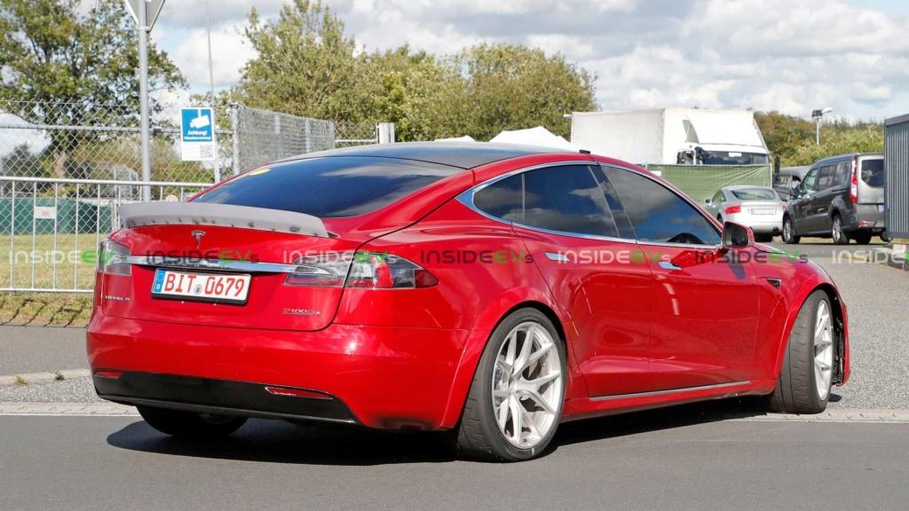 Tesla Model S pode superar recorde de Porsche Taycan em Nürburgring Tesla-17
