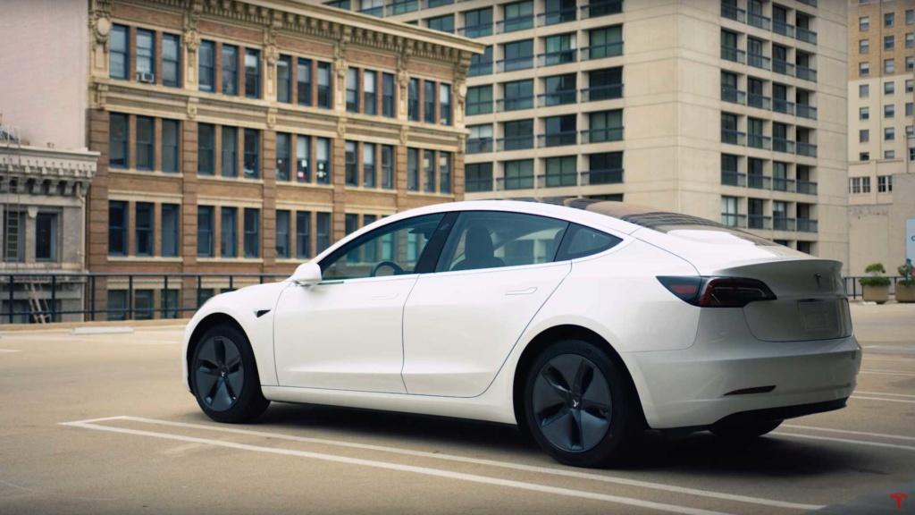 Tesla Model 3 ganha potência com upgrade de US$ 2 mil e sem sair de casa Tesla-27